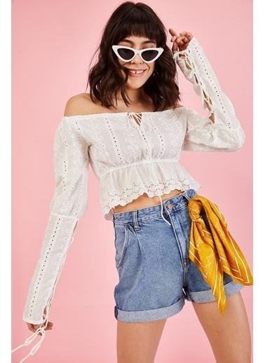 ESQ Beyaz Bağcıklı Crop Bluz Beyaz